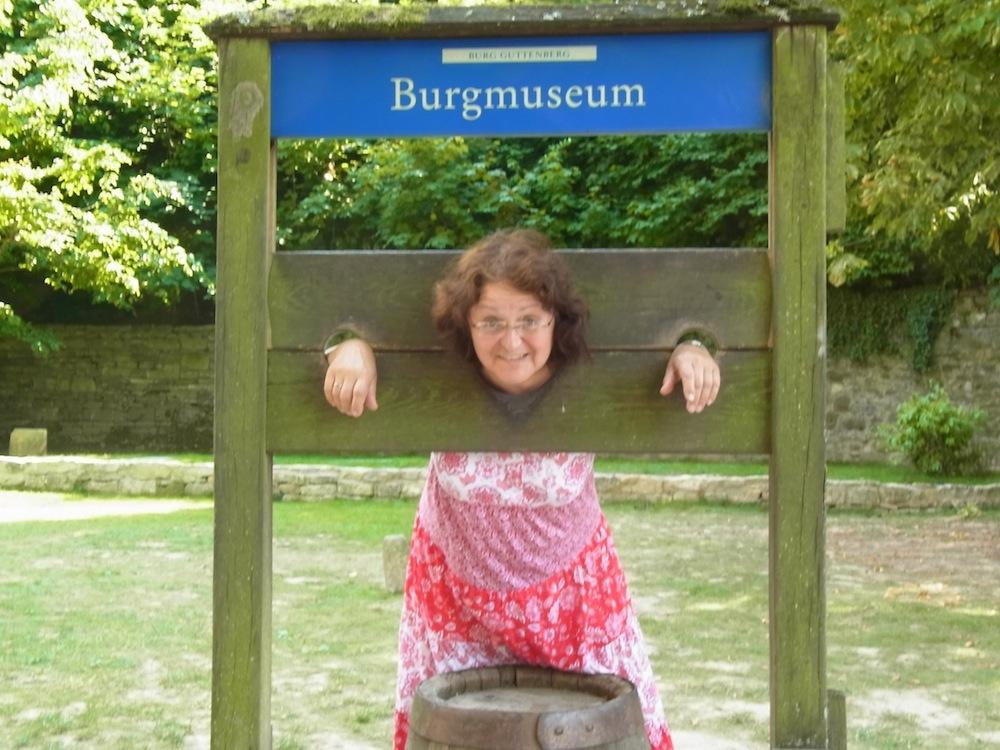 Gefangen_Burg-Guttenberg_Sommer-2015_kreativfreak